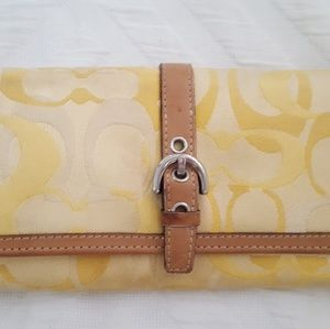 Coach Wallet Yellow Gold